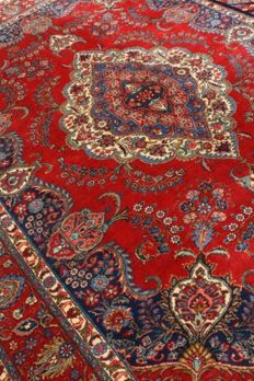 Wonderfully Kayseri Turkish finely hand knotted 385x 275 cm full size room around 1990