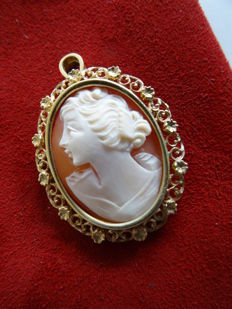 14 kt yellow gold Cameo brooch/pendant