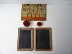 Reading plank - Aap-Noot-Mies - plus 2 slate writing boards