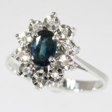 White gold ring embellished with natural sapphire surrounded with diamonds - 1950 - No reserve price!