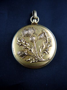 Opening pendant, gold thistle flowers - France - 19th century