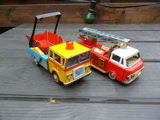 STF, China - Length 20 cm - lot with tin Container Truck MF146 and Fire Truck MF167 with friction motor, 1970s