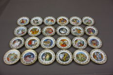Franklin Porcelain - The Best Loved Fairy Tales Miniature Collection - Carol Lawson Limited Signature Edition. - 48 plates
