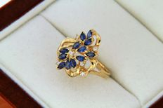 18 kt yellow GOLD Ring - Sapphires - Diamonds