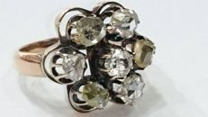 Gold ring with 7 rose-cut diamonds *NO RESERVE*