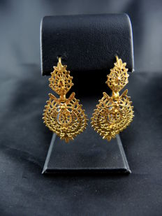 Sleeper earrings in gold – Portugal – 19th century