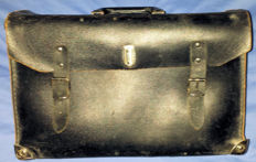 Melano tool case for your classic car - Sturdy black leather
