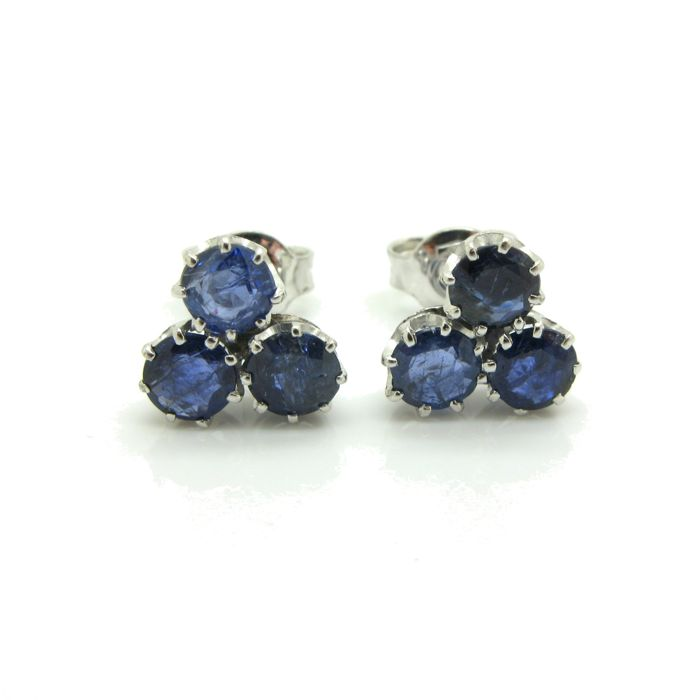 Earrings in 18 kt white gold with 6 brilliant cut, blue sapphires totalling 1.80 ct ***no reserve price***