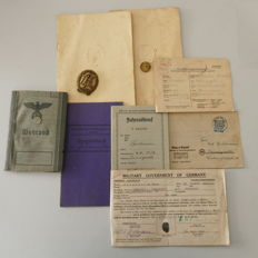 Heritage Wehrmacht various documents and a badge from WW2