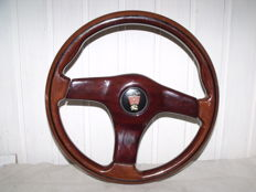 Original Rover wooden motif steering wheel with horn button