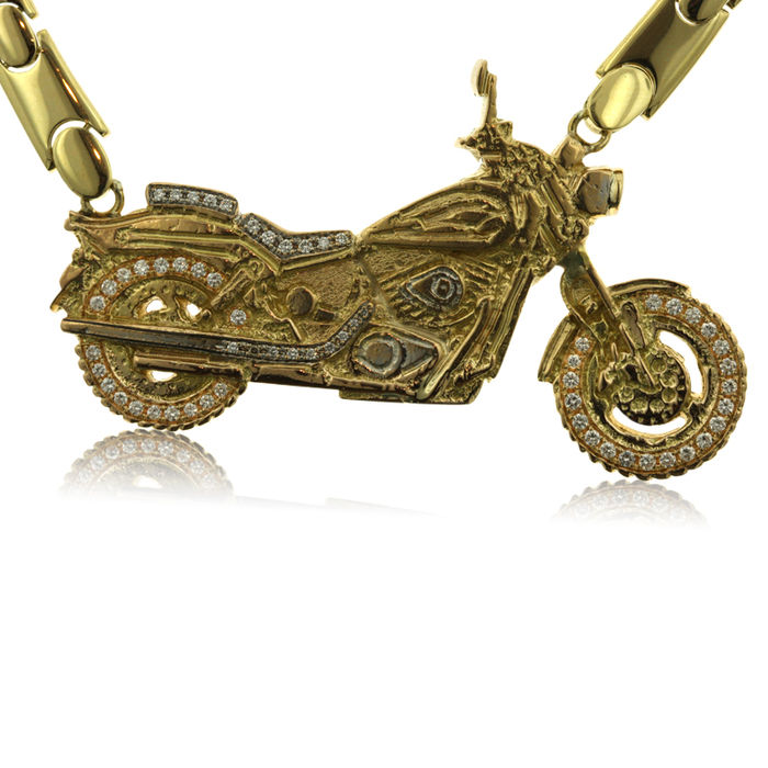 Large One-off Gold and 1.40ct Diamond Motorcycle Necklace, as new.-18kt yellow gold (87 gram)- chain is 40 cm long