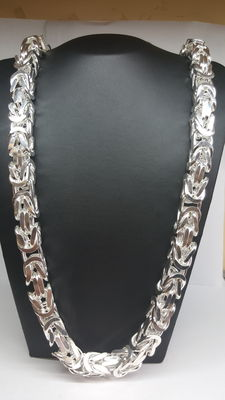 New, king's braid link necklace 649.5 grams, length about 81 cm.