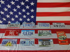 Beautiful set of 10 American number plates - 5AW6202 - 981TX - 6AP336 - 31423 - 418XSW - HDM515 - 11FMZ80 - B0521L - 3C3220 - DZN2533
