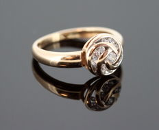 Russian 14K Yellow Gold Ladies Ring With White Sapphire ( 0.21 CT Total ) ca.1950