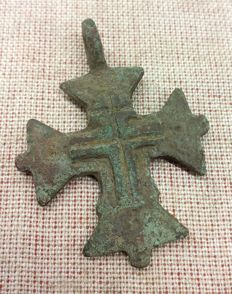 Bronze cross Templar decorated  in the middle cross 40х30 mm