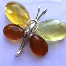 Baltic amber and silver butterfly pendant/brooch; 45,6 mm x 57,6 mm