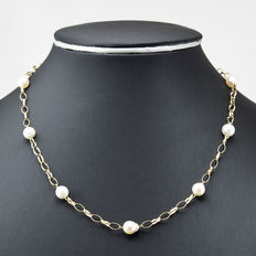 Yellow gold, 750/1000 (18 kt)  - Choker - Akoya pearls - Diameter 7.00 mm (approx.) - Length: 47.5 cm