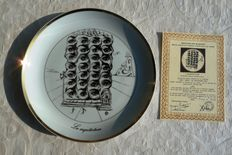 "Salvador Dali - ""The 7 arts of Salvador Dali"" plate - porcelain - gold-plated - certificate of authenticity"