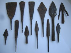 Good collection of iron arrowheads  - (12)