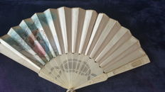 Ancient hand fan made in bone and silk - painted by hand - 20th c.
