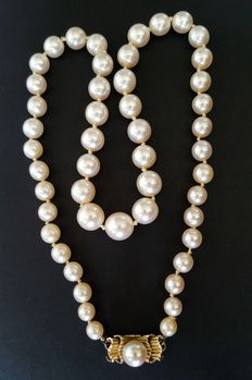 Antique Pearl necklace with sea salt water pearls- approx. 5 mm up to 8.5 mm
