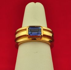 Tiffany & Co. - 1995 Amethyst 18K Yellow Gold Ring - Size 50/51