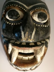Festival mask, Ceylon/Sri Lanka, middle of the 20th century.