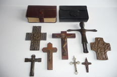 Lot 8 crosses plaques, bronze, middle 20th century. 2 hand Bibles ca. 1884.