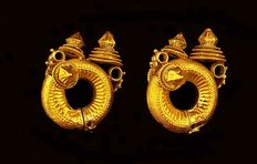 Antique Tamil Nadu earrings – South India, early 20th century – 22 kt gold