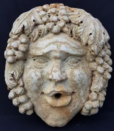 Large fountain mask depicting Bacchus - made of Botticino marble - Italy - 19th century