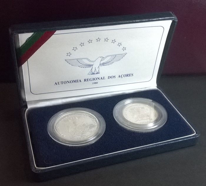 Portugal Case With 2 Silver Proof 25 And 100 Escudo Coins 1980 Lisbon