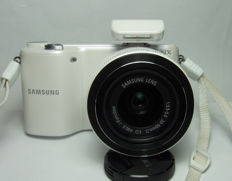 Samsung NX2000 with 20-50mm