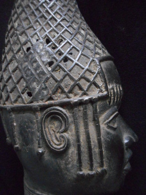 Commemorative Head of the Queen Mother, Ife bronze - Bini Edo - Benin