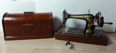 Sewing machine-Singer 127K - with mahogany cover -1930