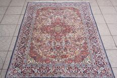 Incredible & Fantastic Persian Tabriz Raj 600000 knots M/2  126x180 cm Finely knotted