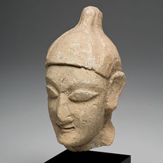 A Cypriot Limestone Head of a Youth- 9,2 cm