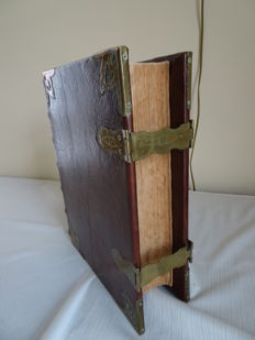 States Bible with brass locks and many colour images - the Netherlands - around 1900