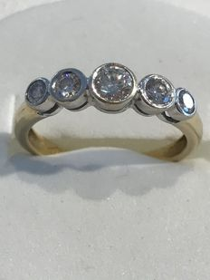18 kt white gold ring with 4 brilliant cut diamonds of in total 0.60 ct with HRD certificate - size 51