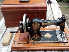 Beautiful antique hand crank Jones Family CS sewing machine, England, ca.1920