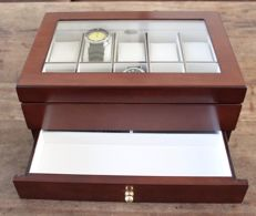 — LUXURY WALNUT FINISH WOOD WATCH BOX — Hold 10 watches with lower drawer — Unisex — 2011-present