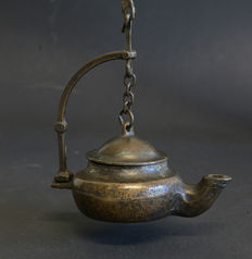 Antique kettle-shaped oil lamp, made of of bronze early 19th century or older