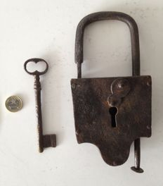 Very large antique wrought iron padlock - 18th century - Germany