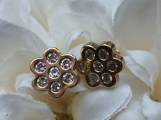 Gold earrings clear white Sapphire