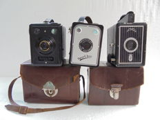 A lot of 3 box cameras, a Prinsen box a Vena sport-box and a Kodak Box 620.