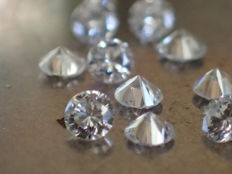 Lot of 10 brilliant-cut natural diamonds of 2.00 mm with a total weight of 0.32 ct, colour E, quality VVS.