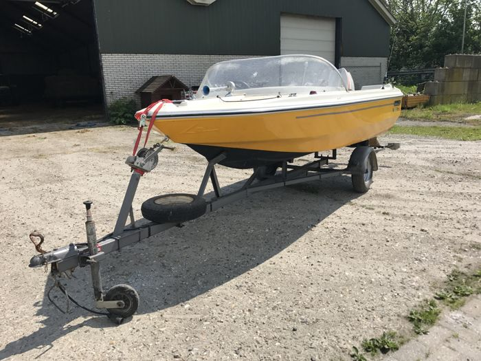 Retro Beekman 400 - 1982 incl  trailer and 35 hp Johnson outboard engine  -  Catawiki