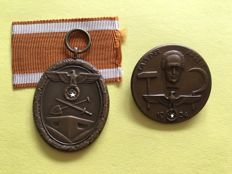 German defensive wall badge and badge for 1 May 1934