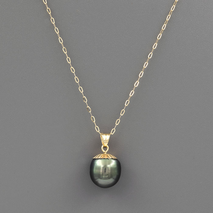 18 kt yellow gold – Choker with pendant – Tahitian pearl of 10 mm – Length: 42 cm
