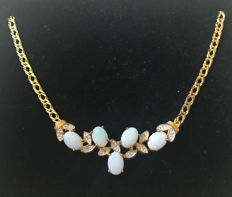 Bride collier necklace with pendant, made from 333 / 8 kt gold, set with natural opals and SI diamonds of approx. 0.02 ct