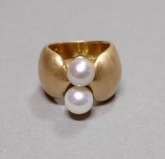 Ring made of 18 kt gold with Akoya pearls 7.3-7.6 mm - ring size 54, approx. 17.3 mm